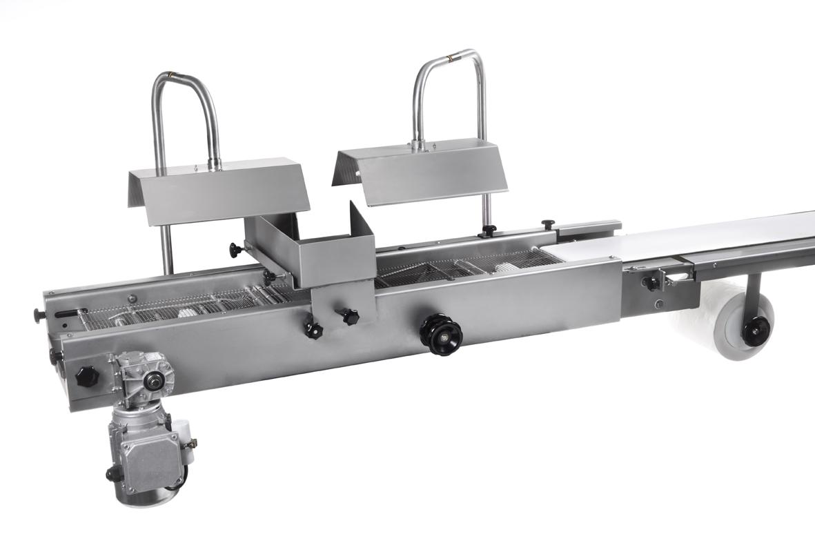 9003 enrobeuse avec une bande transporteuse d 39 une for Largeur d une table